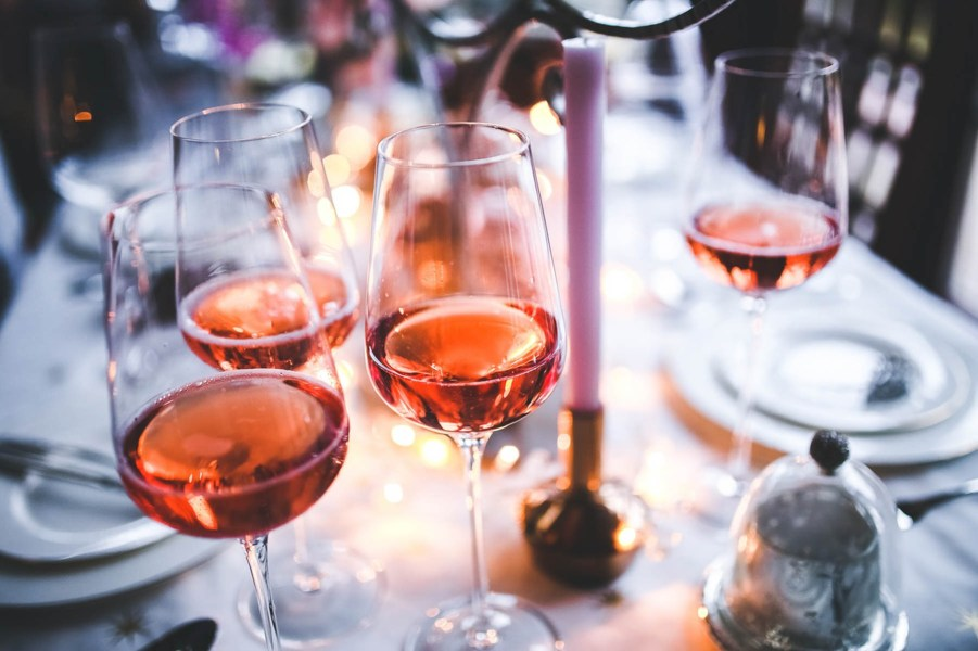 Rose wines for Thanksgiving dinner | Thanksgiving Turkey and Wine Pairings | foodwithaview.com
