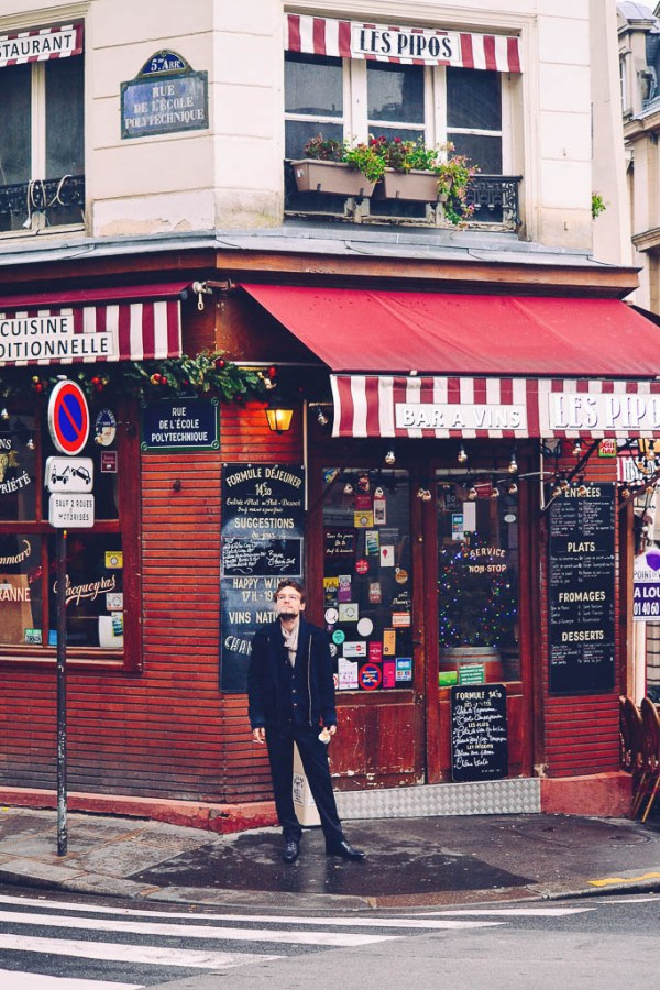 What to eat on a trip to Paris | Wine bar on the corner | Restaurants, cafes, food markets and more | Culinary adventures in Paris on foodwithaview.com