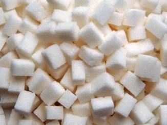 Sugar replacers instead of sugar cubes. Photo by Suat Eman. Courtesy of FreeDigitalPhotos.net
