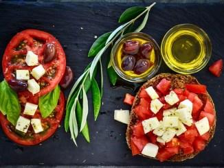 Mediterranean diet in the form of a dakos.