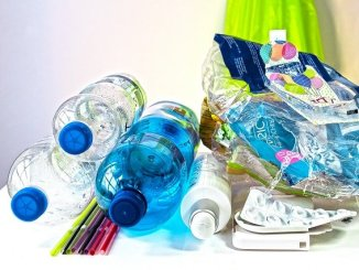 Plastic waste such as flexible packaging is a global concern.