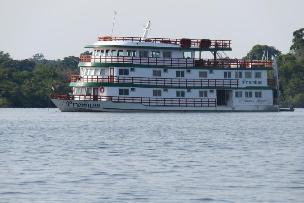 Brazil 518 boat