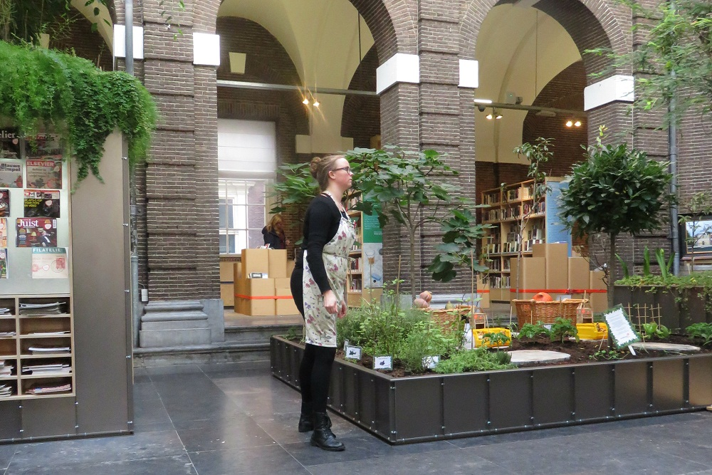 4a Schiedam A garden library cafe Korenbeurs