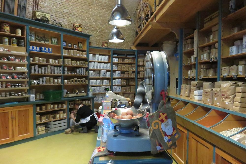 8a Schiedam Windmill De Walvisch mill shop