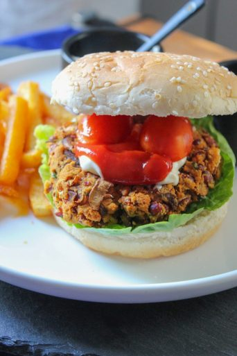 Veggie Burger with Kidney Beans and Mushrooms