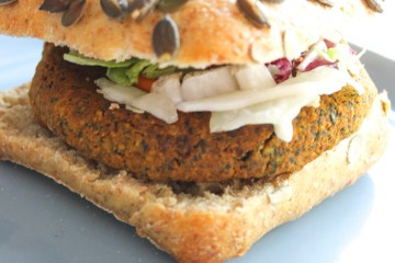 Spinach Curry Chickpea Burger