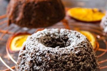 min cake, sugar coated chocolate