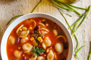pasta, vegetables, tomato sauce