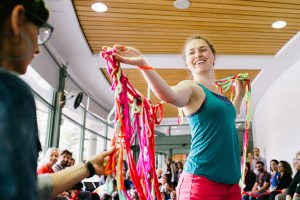 Tricoter - Vitrine de la danse francophone de l'Ouest et du Nord du Canada