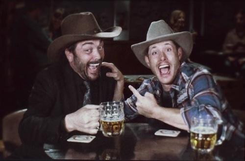 spn_dean-crowley-cowboys-beer