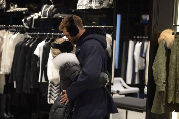 nick-corinne-shopping-bachelor