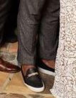 rachel cast bachelorette crop iggy shoes crop 2