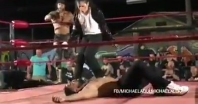 Now This Is Entertainment. There's A Micheal Jackson Impersonator Wrestling In Brazil
