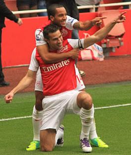 Arsenal's Robin van Persie and Theo Walcott