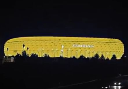 Borussia Dortmund fans break into Bayern Munich's Allianz Arena and turn it yellow