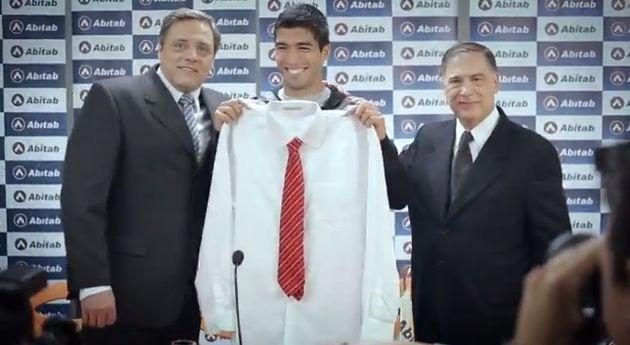 Luis Suárez advert for Abitab on Uruguayan TV