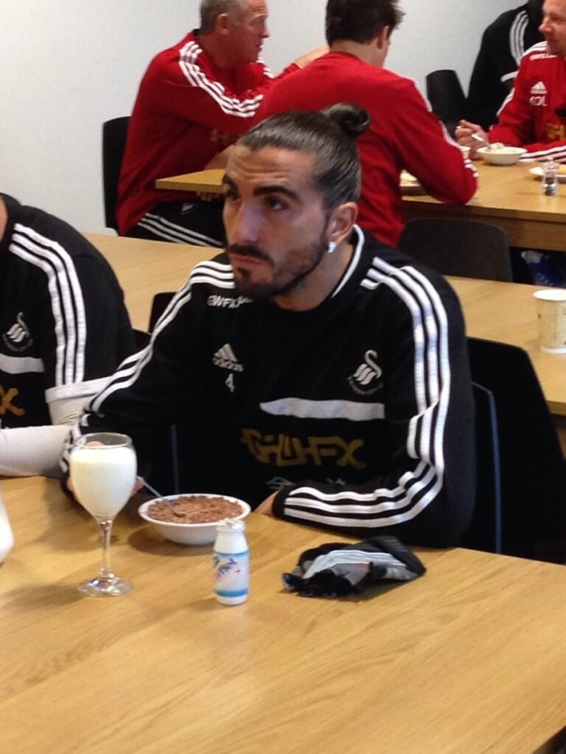 A day in the life of Chico Flores - eating Coco Pops