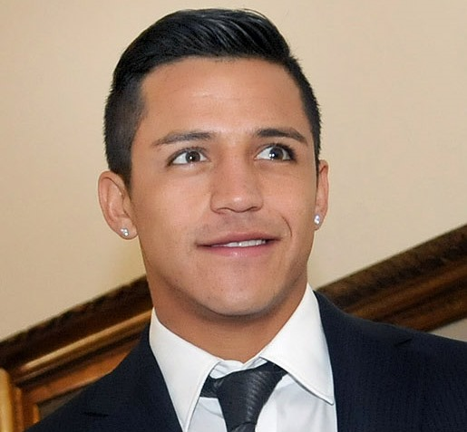 Arsenal sign Alexis Sánchez, aka this guy