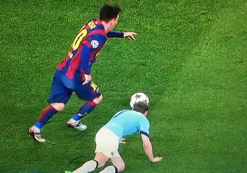 After the Champions League incident during Barcelona 1-0 Man City, Twitter rocked with Milner Messi nutmeg jokes