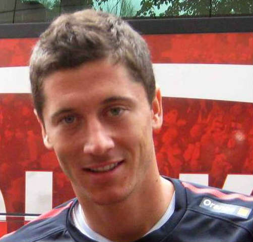 Robert Lewandowski's 5 goals in 9 minutes prompted these tweets