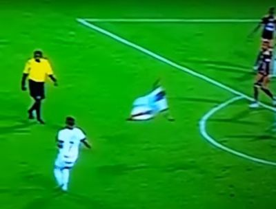 Once Caldas's Hárrison Henao flying slide tackles no one in a Colombian league game