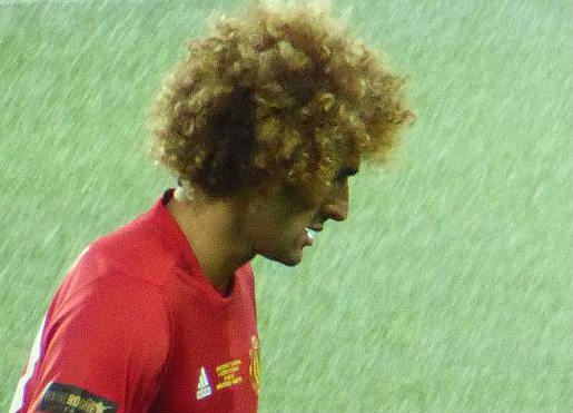 Marouane Fellaini will stay at Man Utd