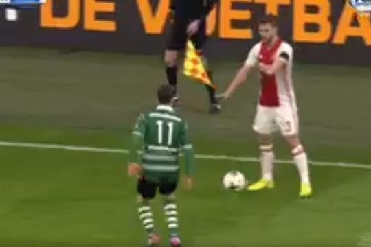 Unsporting Ajax defender Joël Veltman tricks opponent into pausing for injury