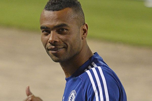 There were tweets and jokes as Ashley Cole moved to Derby with former Chelsea teammate Frank Lampard