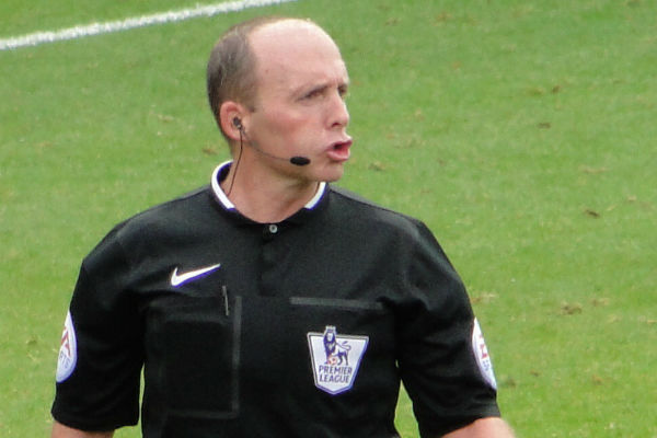 Mike Dean showed his 100th red card during Wolves v Man Utd, resulting in these jokes