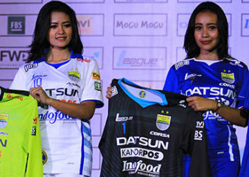 Persib Bandung 2015 League Home, Away and Third Kits – FOOTBALL FASHION.ORG