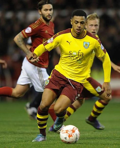 Burnley FC 2015/16 PUMA Away Kit - FOOTBALL FASHION.ORG
