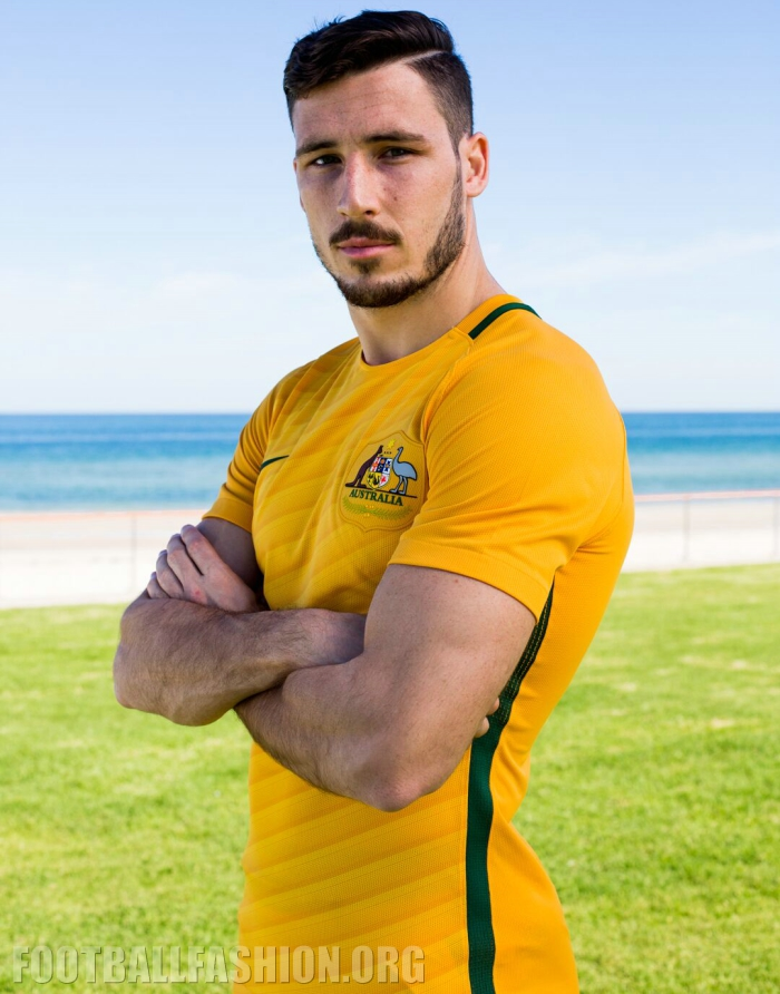 newest 81db7 be465 Australia 2016/17 Nike Home and Away Kits - FOOTBALL FASHION.ORG