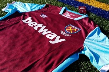 Up-Close: West Ham United 2016 2017 Umbro Home Soccer Jersey, Football Shirt, Kit, Maillot, Camiseta