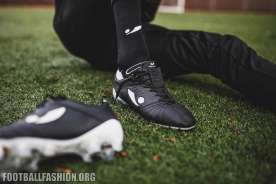 Concave Aura + Soccer Boots