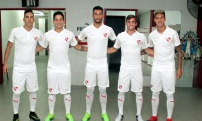 Club Atlético Independiente 2017 Libertadores de América PUMA Football Kit, Soccer Jersey, Shirt, Camiseta de Futbol