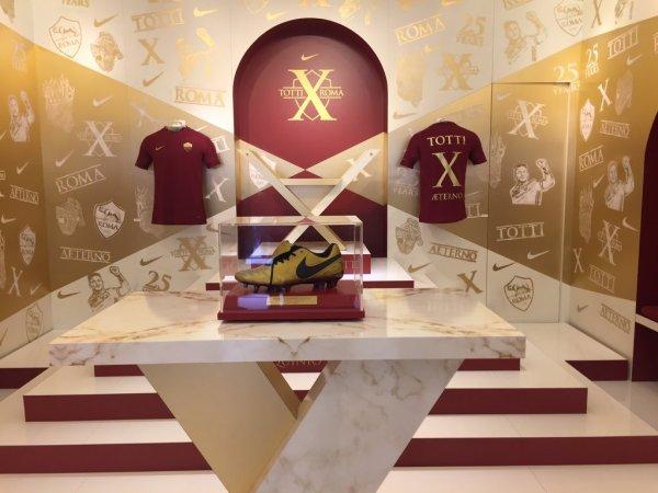 Nike Tiempo Totti X Roma Soccer Boots