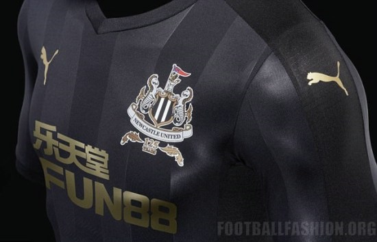 Newcastle United 2017 2018 125th Anniversary PUMA Black Third Football Kit, Soccer Jersey, Shirt, Maillot, Camiseta, Trikot