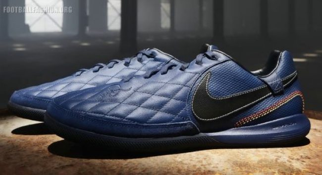 Ronaldhino x Nike 10R City Collection