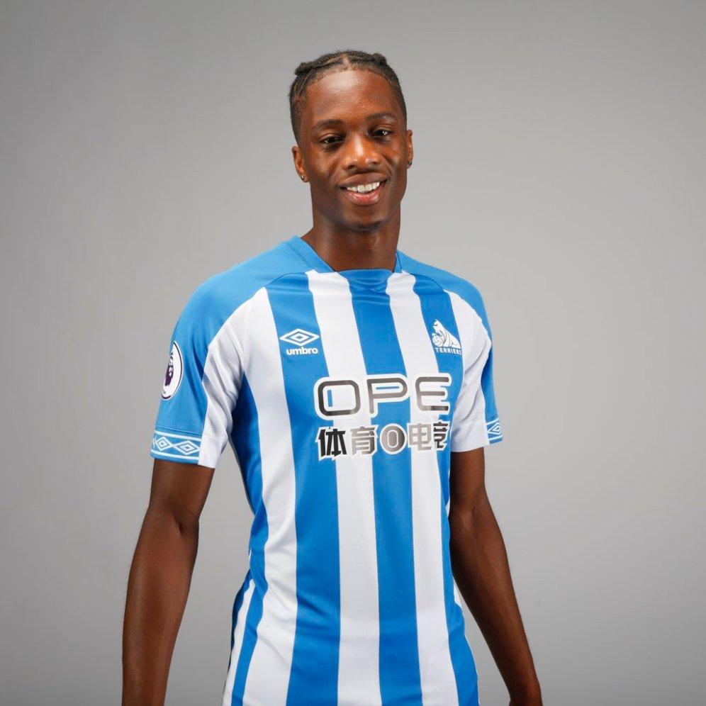 huddersfield-2018-2019-umbro-home-kit (14)