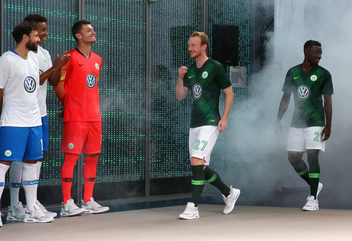 VfL Wolfsburg 2018 19 Nike Home and Away Kits – FOOTBALL FASHION.ORG 74f1e103683a5