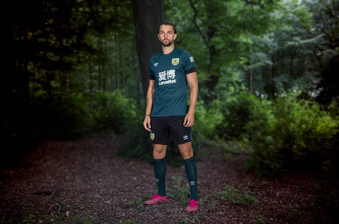 Burnley 2019/20 Umbro Third Kit - FOOTBALL FASHION.ORG