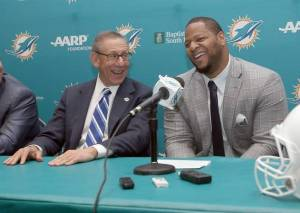 Stephen Ross & Ndamukong Suh - Miami Herald Photo