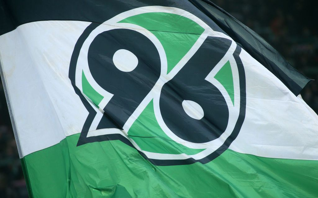 Plastic fans – Hannover 96 supporters collect a record amount of cups to aid Africa