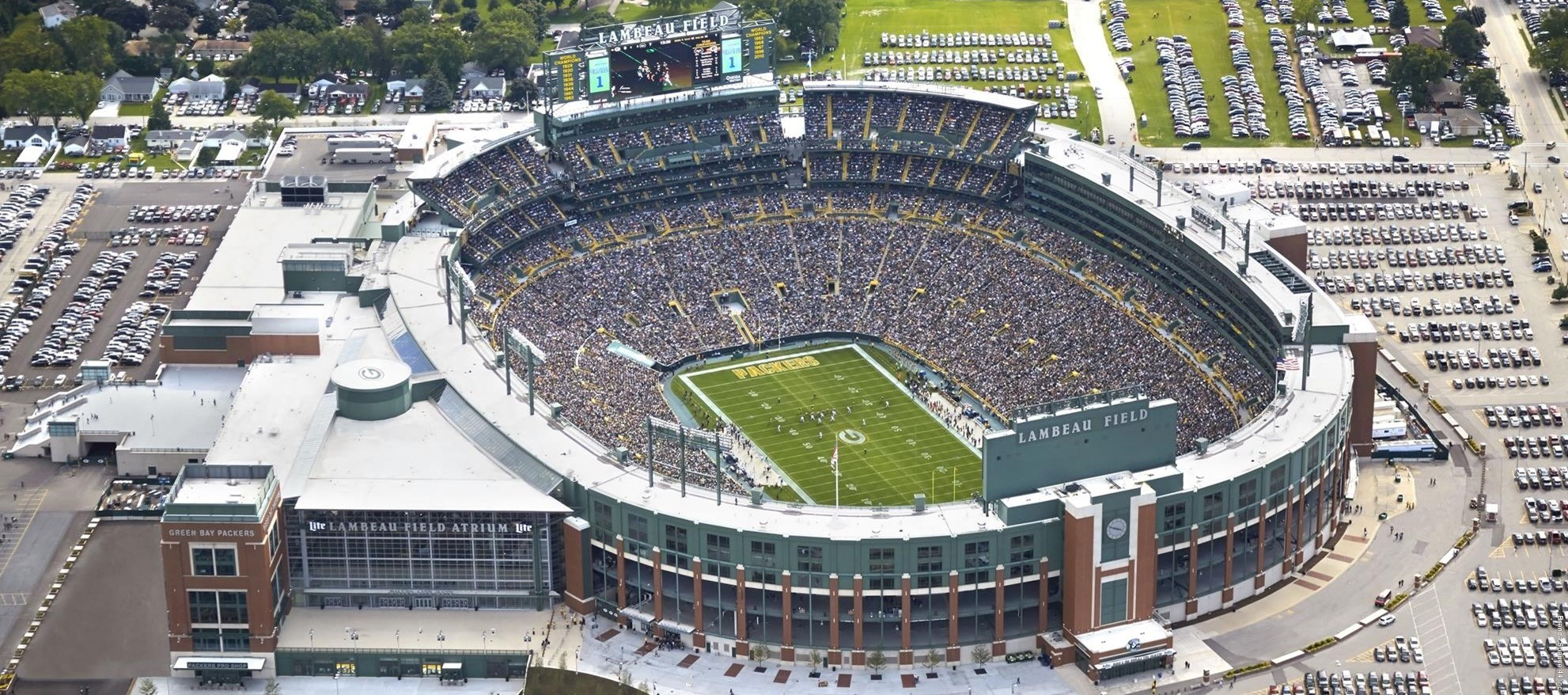 https://i0.wp.com/footballstadiumdigest.com/wp-content/uploads/2016/08/lambeau-field.jpg