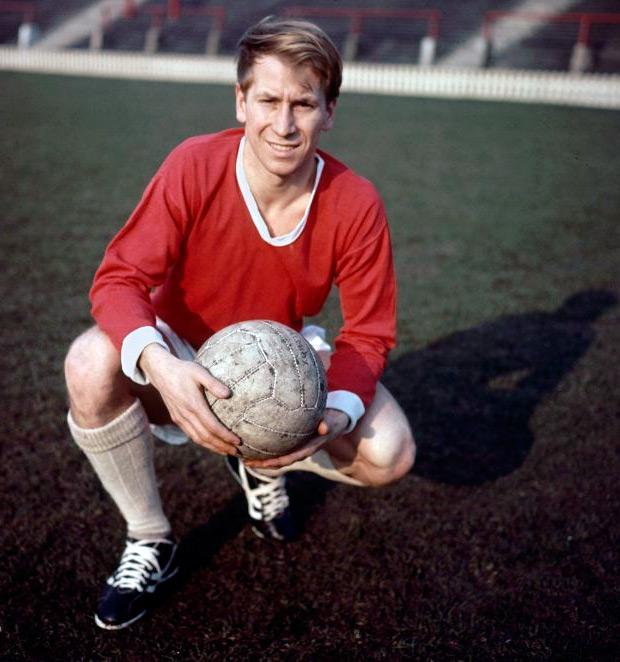 Бобби Чарльтон английский футболист