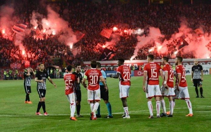 Сербское футбольное дерби фото