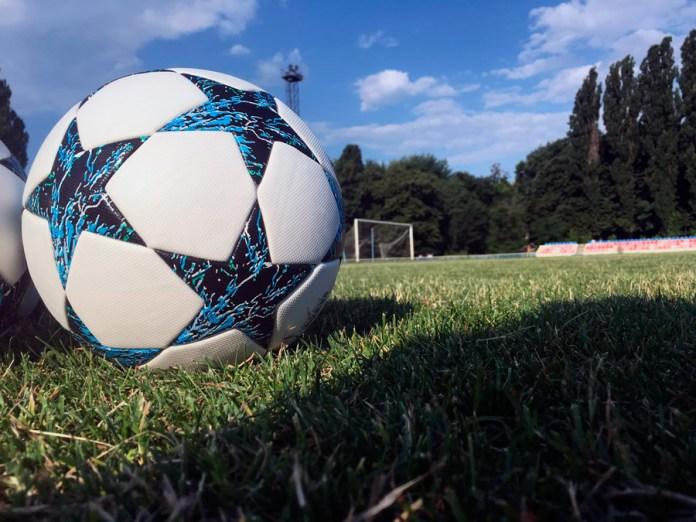 Выбор футбольного мяча