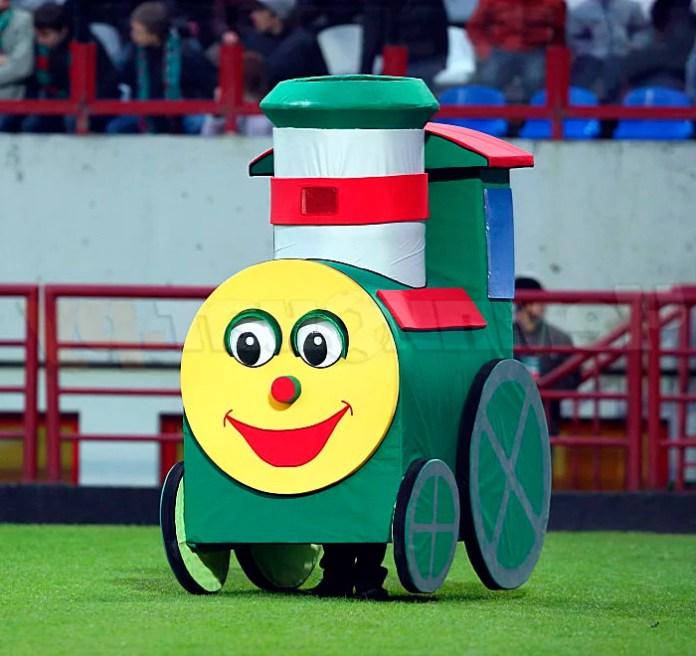 Паравозик - талисман футбольного клуба Локомотив фото