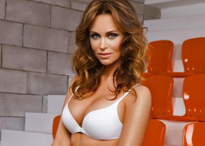 Мария Ещенко фото в купальнике