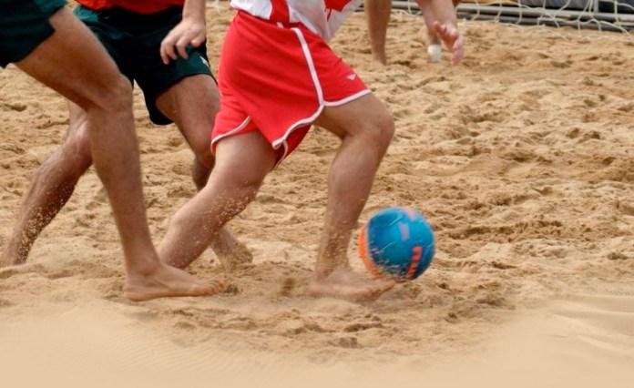 Возникновение футбола на пляже